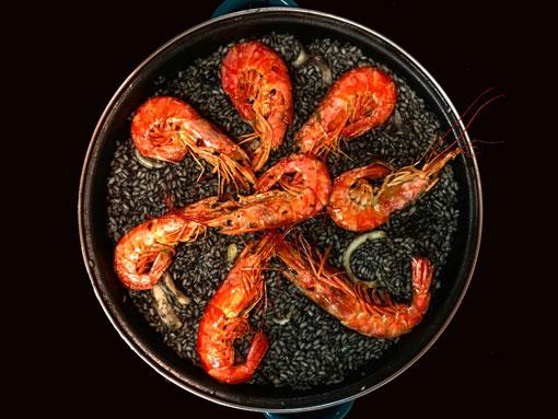 O prato de camarões
