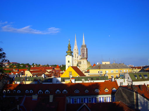 A Zagreb Cathedral rising above the other buildings