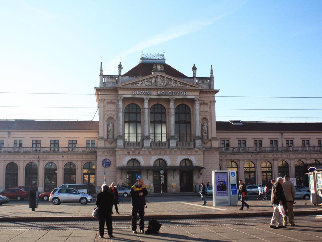 O edifício da Estação ferroviária central de Zagreb