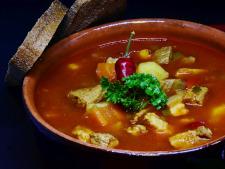 Um prato de goulash