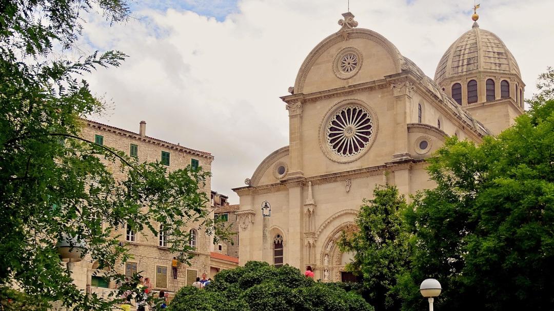 Uma igreja de pedra