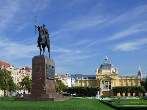 La Plaza del rey Tomislav en Zagreb