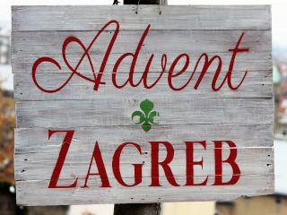 White board with red letters that say Advent in Zagreb