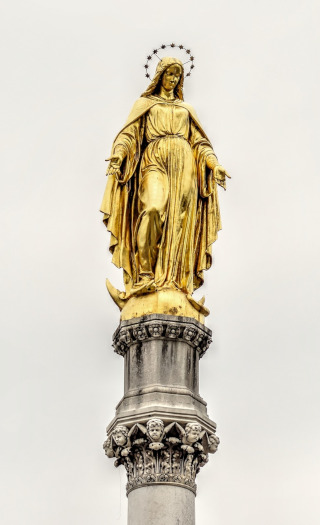 Golden sculpture of Virgin Mary