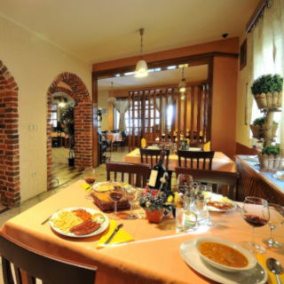 Traditional restaurant design